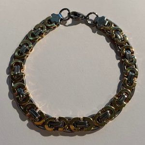 """Stainless steel """"gucci"""" link bracelet in gold"""